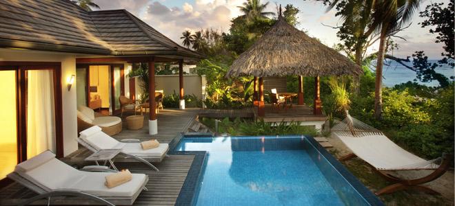 Conrad bora bora nui resort bora bora honeymoon for Small luxury beach resorts