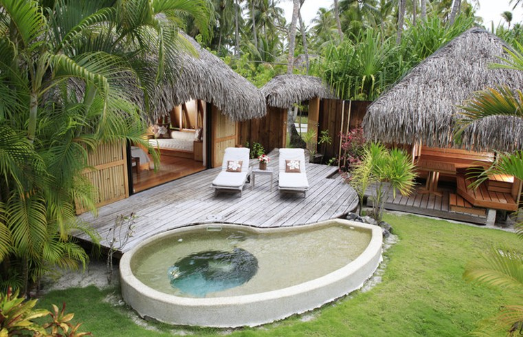 Bora bora pearl beach resort bora bora honeymoon for Garden pool bungalow