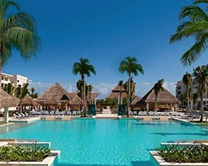 Paradisus Playa del Carmen La Perla- Our Favourite Mexican Honeymoon Resort - Luxury Honeymoons - Thumbnail