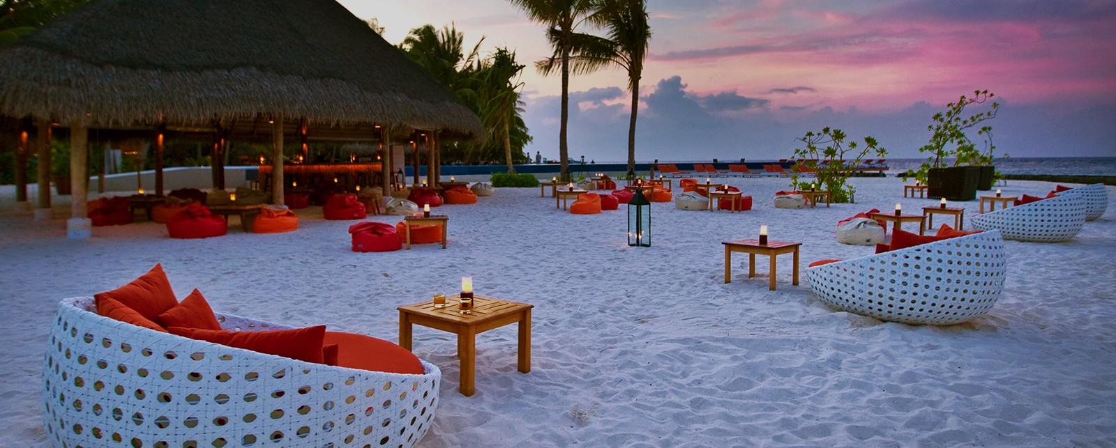 kuramathi maldives all inclusive luxury honeymoon dreams honeymoon dreams. Black Bedroom Furniture Sets. Home Design Ideas
