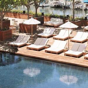 Luxury Holidays Hawaii - The Modern - Sunbed