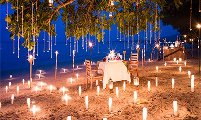 8 Top Candle-lit Beach Dinner spots