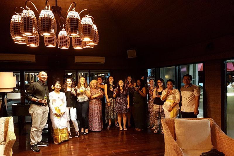 Abbies Bali Blog - Puri Santrian - evening beach club